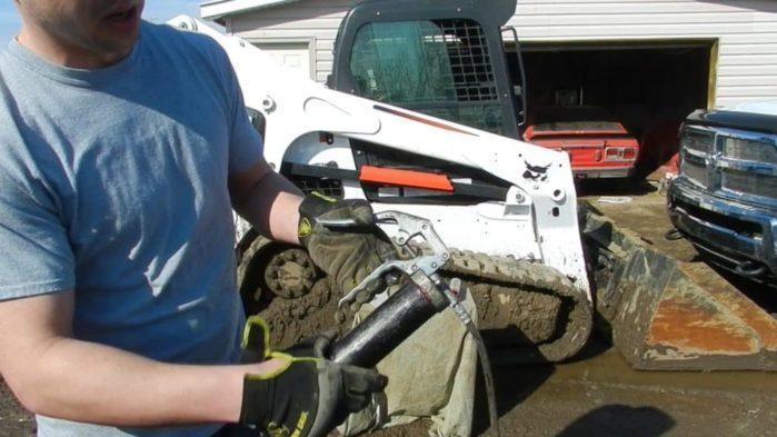 Easy Steps On How To Load A Grease Gun