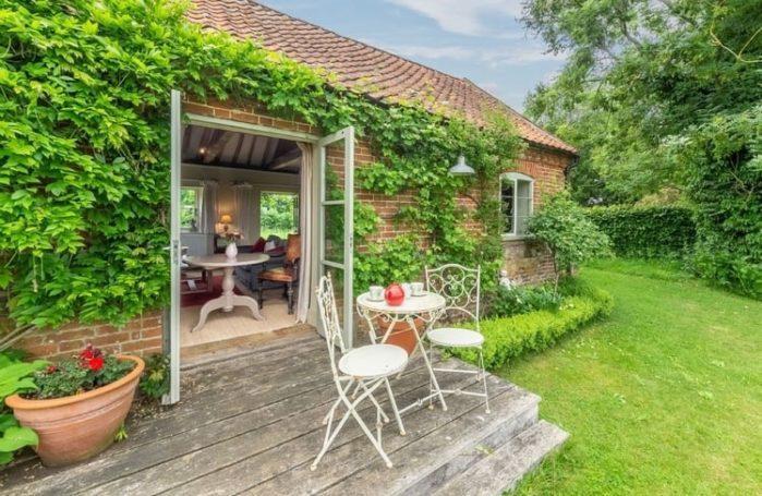 Festive Green cottage