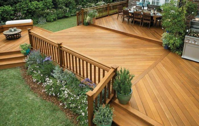 Natural-looking Deck