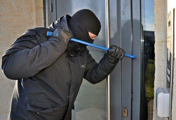 4 Simple Ways to Ensure Your Home Safety From Burglars