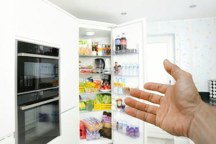 repair a fridge