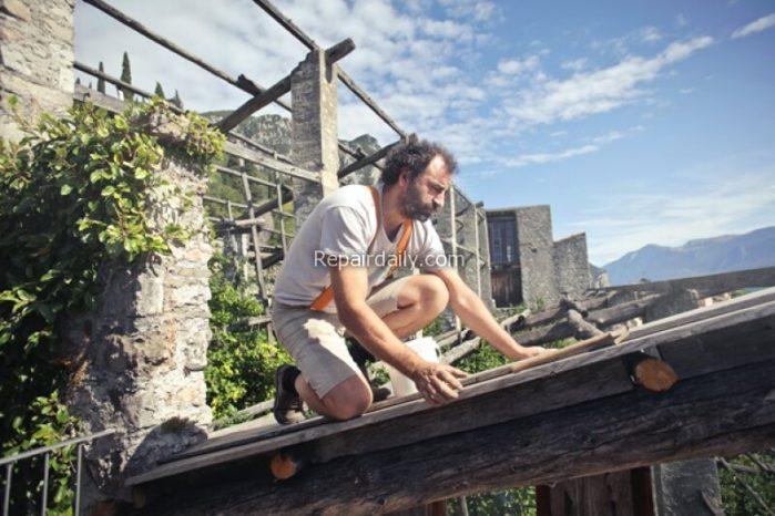 professional repairing roof