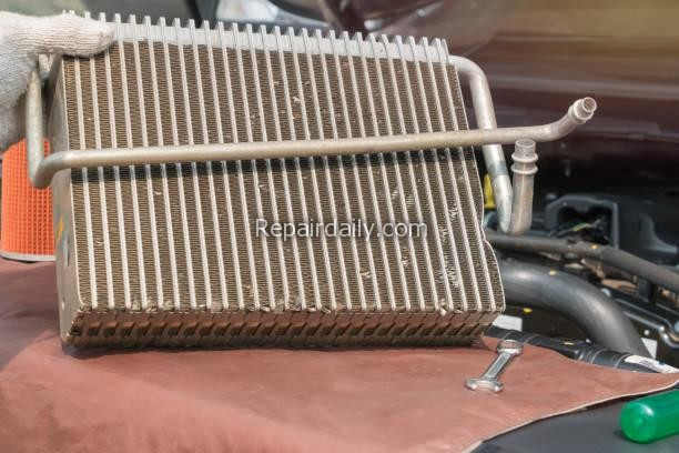 Car air conditioner condenser leaking check