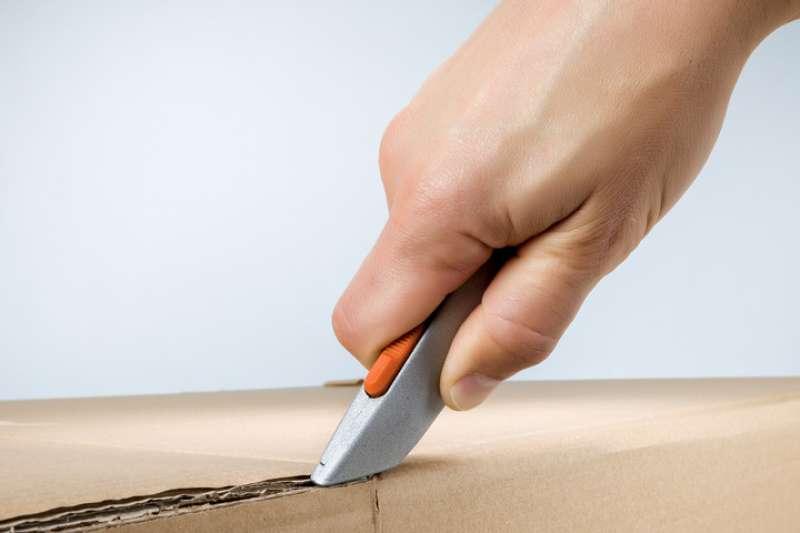 utility knife cutting box