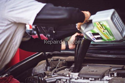 changing car lubricant